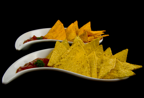 Cornchips and salsa