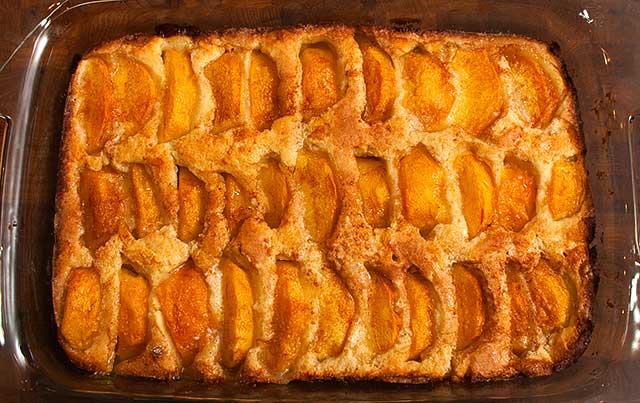 baked peach kuchen