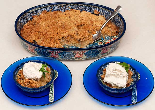 Apple crisp with Honey Cinnamon Whipped Cream